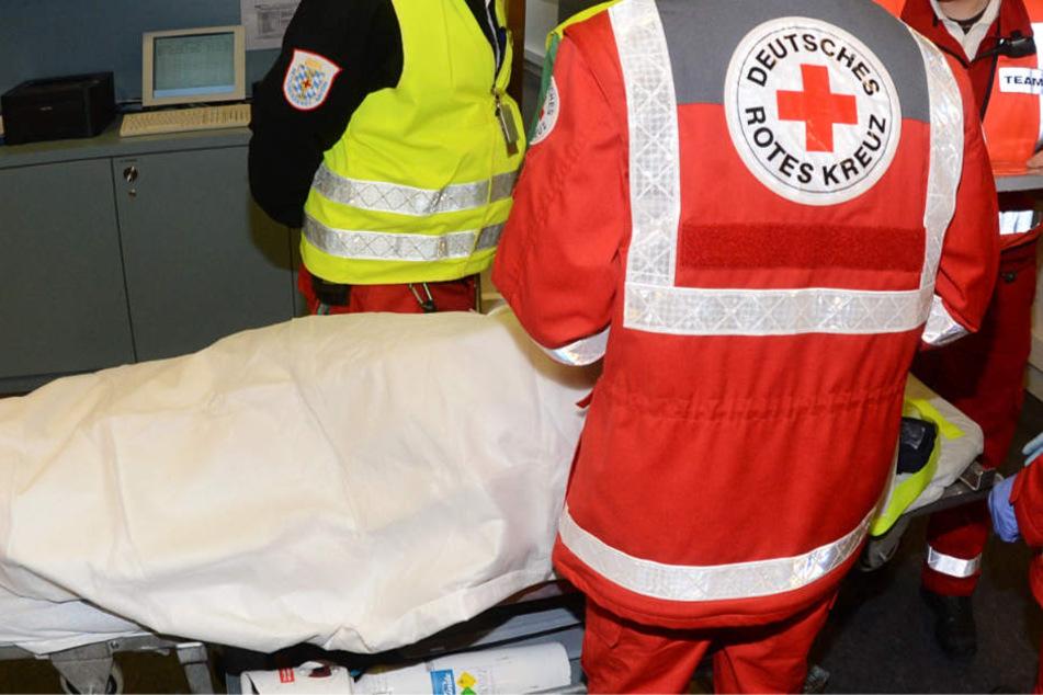 Der 44-Jährige und seine Tochter kamen in ein Wiesbadener Krankenhaus (Symbolbild).