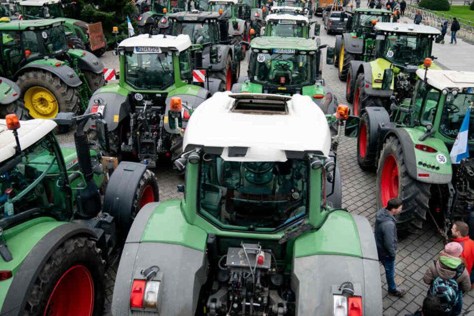Verkehrschaos: Tausende Traktoren rollen durch Berlin