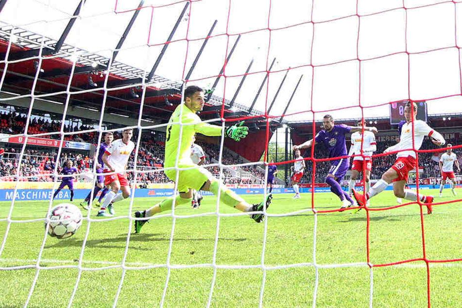 Sein letztes Punktspieltor erzielte Pascal Testroet am 5. Mai beim 3:1 in Regensburg. Er traf zum 1:0.