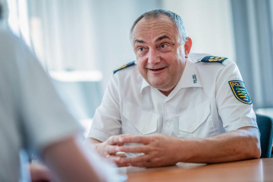 Polizeipräsident Conny Stiehl (61) beim TAG24-Interview.
