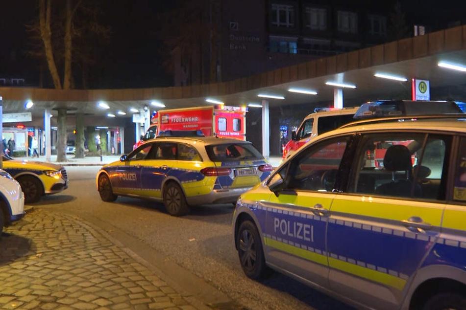 Die Polizei rückte mit zahlreichen Streifenwagen aus.