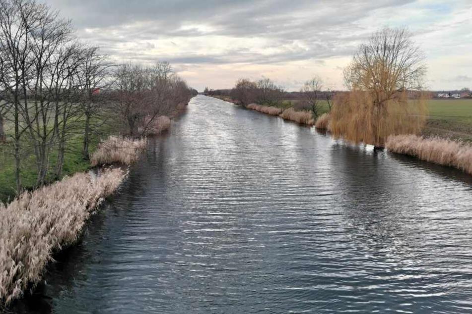 Auch im nahegelegenen Saale-Elster-Kanal wurde mit Tauchern gesucht - jeweils vergeblich.