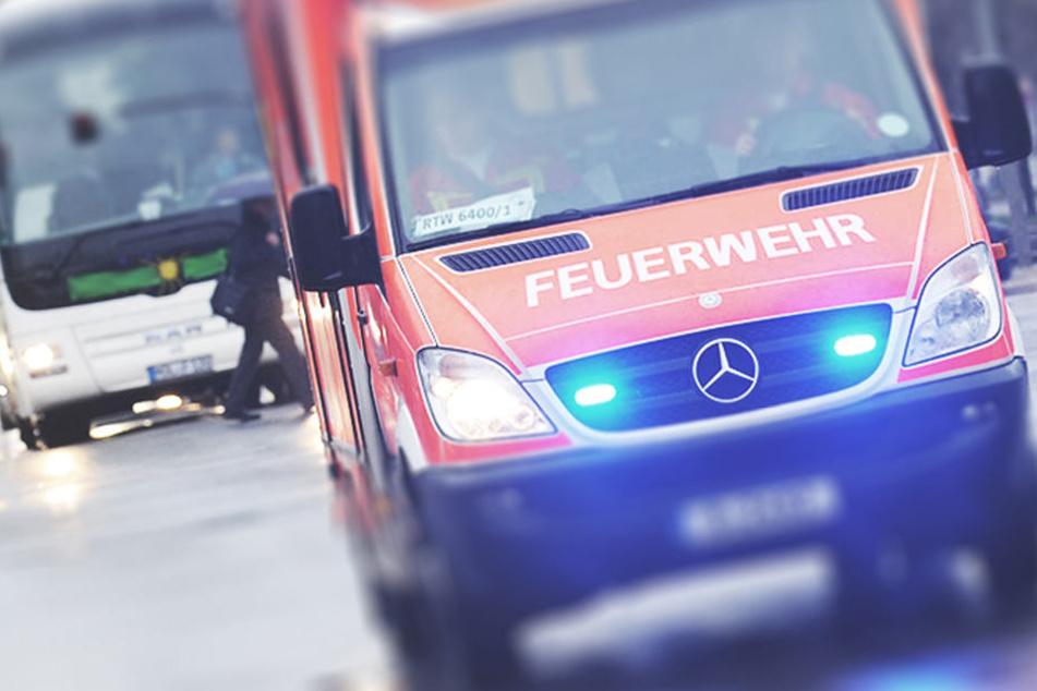 Bei zwei schweren Unfällen in Zwickau hat es am Freitag insgesamt vier Verletzte gegeben. (Symbolbild)