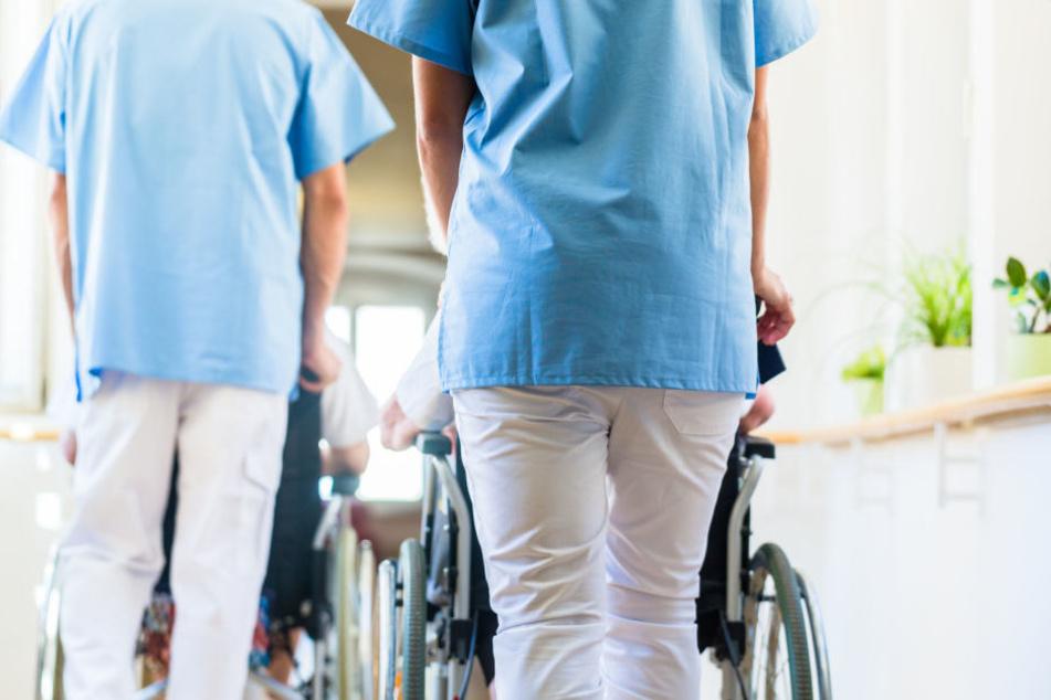 Um mehr als 20 Prozent sei in den letzten Jahren die Zahl der pflegebedürftigen, jungen Menschen in Thüringen gestiegen. (Symbolbild)