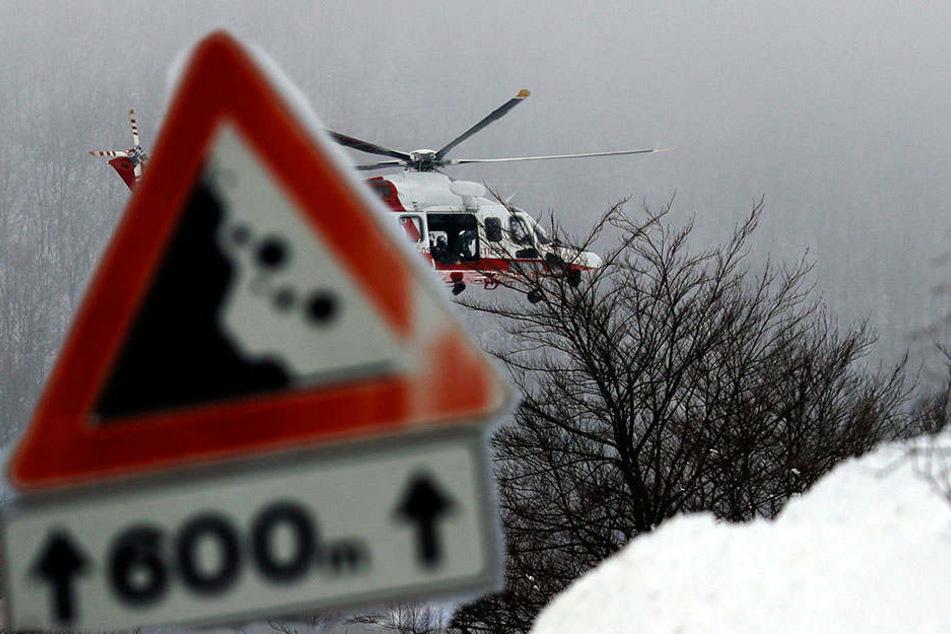 Rettungs-Hubschrauber stürzt in Erdbeben-Region ab - wohl keine Überlebenden