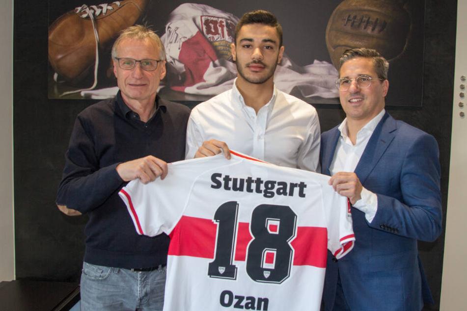 Neuzugang Ozan Kabak wird beim VfB Stuttgart vorgestellt.