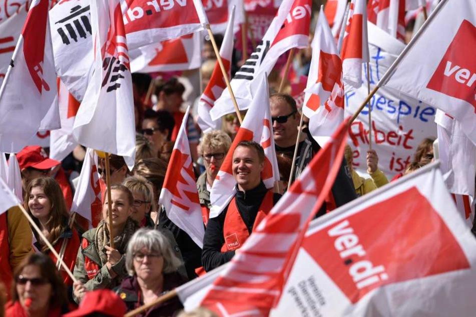 Die Arbeitnehmer sind über das Arbeitgeberangebot Extrems verärgert und gehen deshalb Sonnabend auf die Straße.