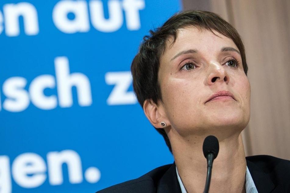 Ihr droht eine Haftstrafe! Anklage gegen Frauke Petry wegen Meineids