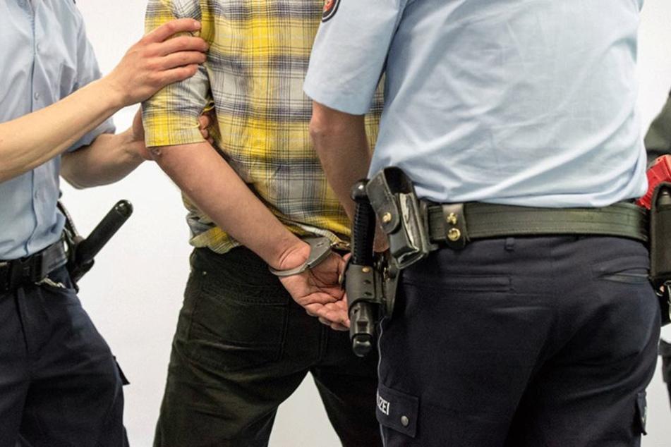 Der 20-jährige Sohn wurde festgenommen.