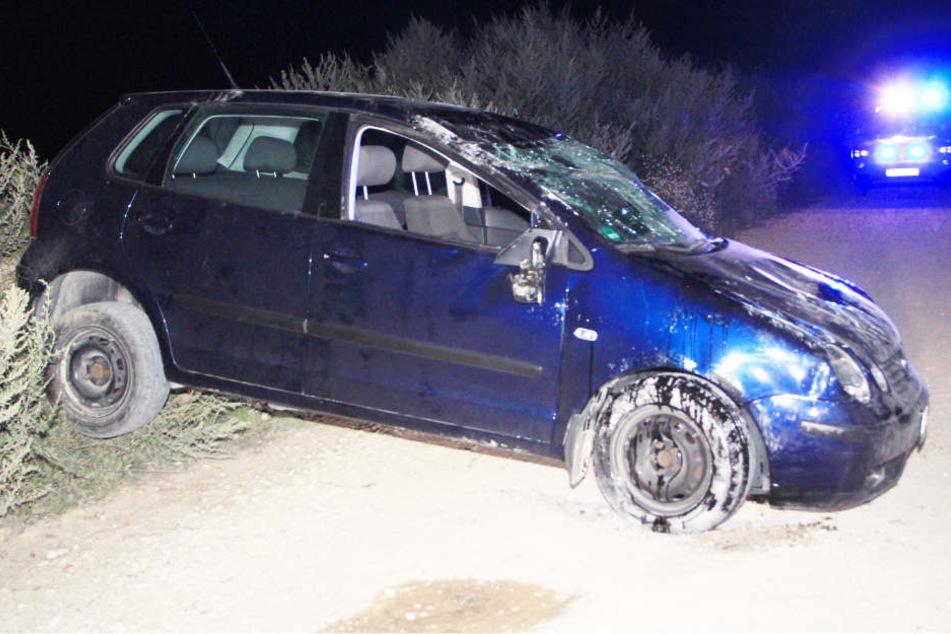 Eine Fahranfängerin hat sich mit ihrem VW mehrfach überschlagen.
