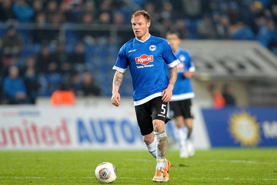 Von 2011 bis 2014 trug Hübener die schwarz-weiß-blauen Trikots des DSC.
