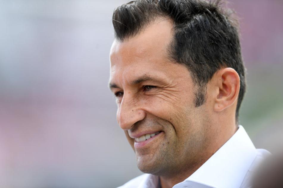 Sportdirektor Hasan Salihamidzic kann sich vorstellen im Vorstand des FC Bayern zu sitzen. (Archivbild)