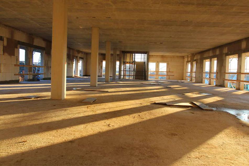 Nur Säulen halten die Zwischendecken. Tragende Innenwände wird es nicht geben,