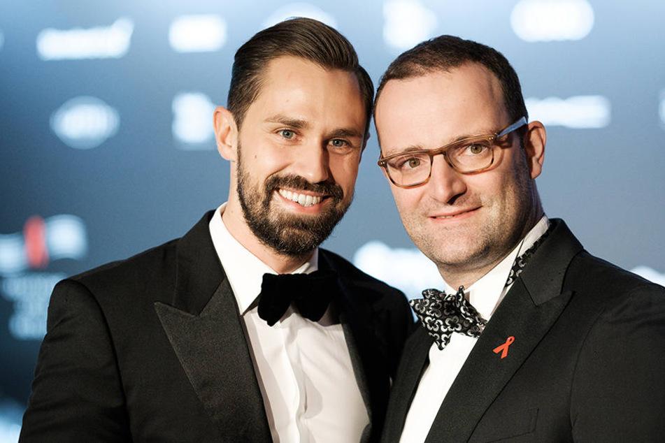 Seit Dezember 2017 ist Jens Spahn (re.) mit Daniel Funke verheiratet.