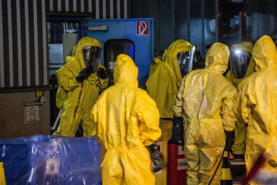 2500 Liter Salzsäure waren in ein Auffangbecken übergelaufen.