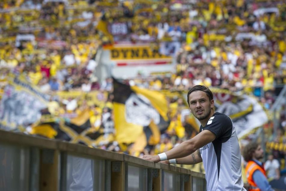 """Pascal Testroet in seinem ehemaligen """"Wohnzimmer"""", dem Dresdner Fußballtempel. Dorthin, wo 2015 alles begann, kehrt er jetzt mit Aue zurück."""