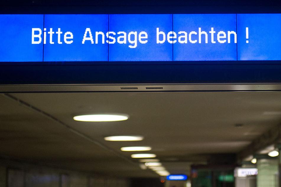 """""""Bitte Ansage beachten!"""" hören die Berliner Fahrgäste öfter als ihnen lieb ist."""