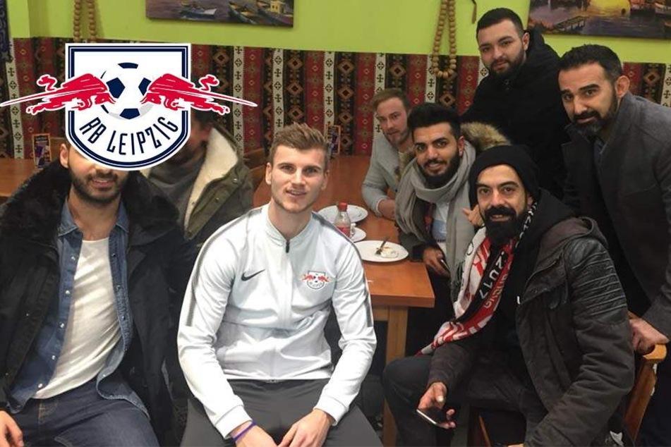 RB Leipzigs Timo Werner isst nach Pleite Döner mit türkischen Fans