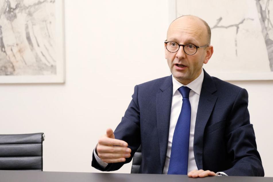 Rechtsanwalt und Insolvenzverwalter Lucas Flöther von der Kanzlei Föther und Wissing hat schon die Insolvenzen von Air Berlin und Unister gemanagt.