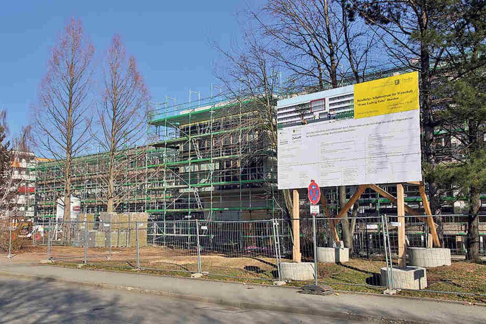 Die Gorbitzer Schule ist noch komplett eine Baustelle.
