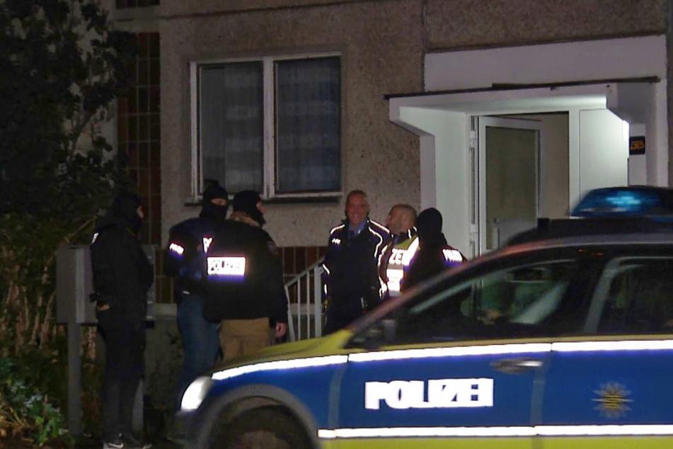 Der gesuchte Terrorverdächtige Jaber Albakr ist in der Nacht zu Montag im Leipziger Stadtteil Paunsdorf festgenommen worden.