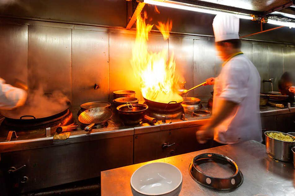 Hitze, Dämpfe und Gebrüll. In den Küchen geht es oft zu, wie in er Vorhölle.