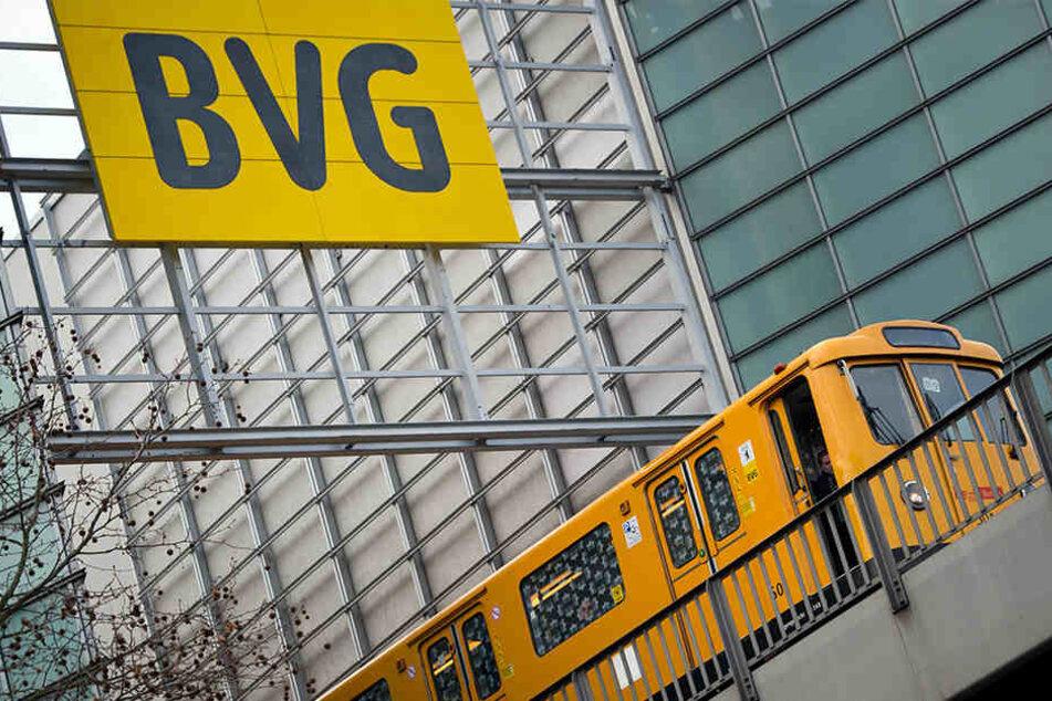 Die BVG kündigte Ersatzverkehr mit Bussen für die U-Bahnlinie U3 an. (Symbolbild)