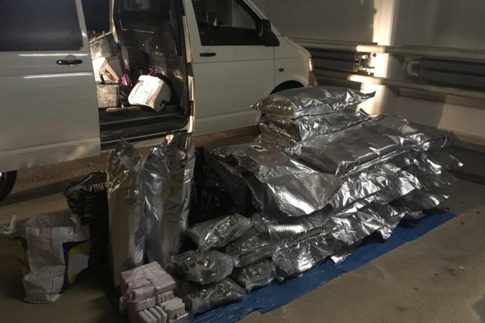 Ingesamt stellte die Polizei 80 Kilogramm an Drogen sicher.