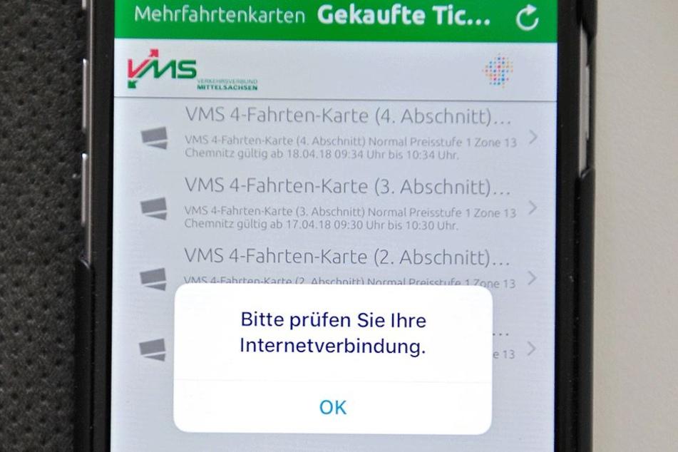 Die Anzeige im Handy-Display zeigt es an: Hier gibts kein Internet.