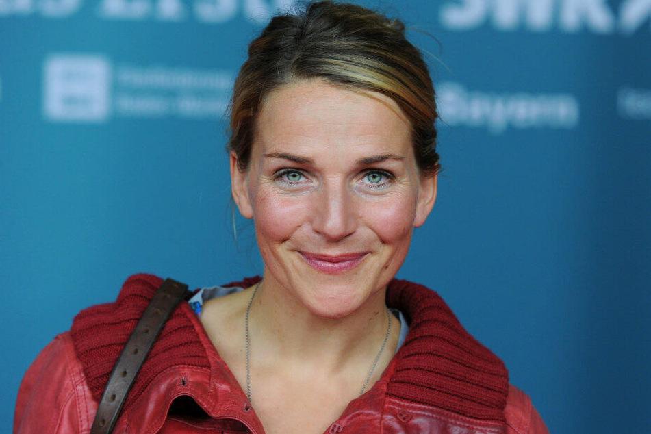 """Die Schauspielerin Tanja Wedhorn kommt am 24.10.2012 zur Premiere des Films """"Rommel"""" in Berlin. (Archivbild)"""