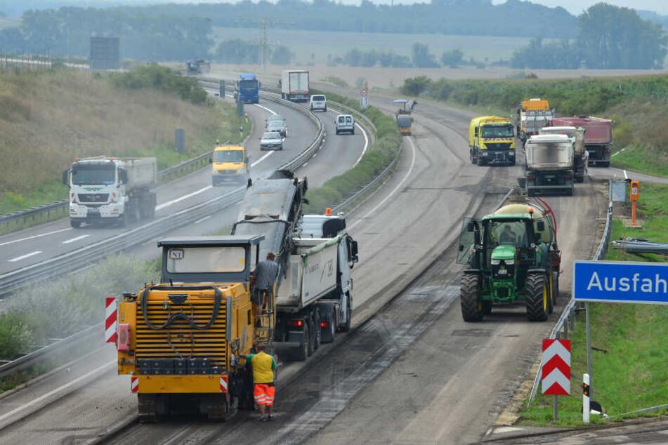 Die Erneuerung von Fahrbahndecken und Markierung stehen in diesem Jahr für die Autobahnen an.