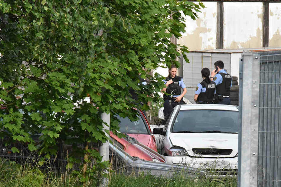Die Polizei untersucht den Überfall auf die Mitarbeiter des Unternehmes.