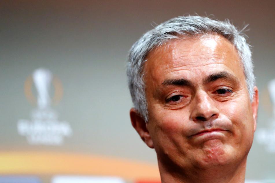 José Mourinho sagt sorry, weil er Abstandsregel nicht einhielt
