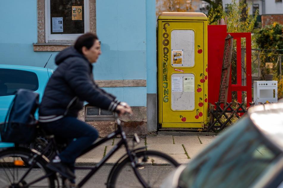 Die einstige Telefonzelle in der Sonnenberger Peterstraße ist ein Verteilerzentrum der Foodsharing-Szene.