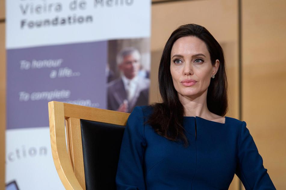 """Am Dienstag gab Angelina Jolie (41) ihr Debüt als Dozentin an der renommierten """"London School of Economics and Political Science""""."""