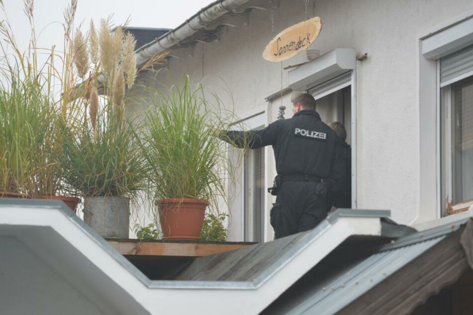 Bei der Razzia auf dem Grundstück von Frank S. agierten mehrere Behörden, ws nun zu mehreren Anklagen führte.