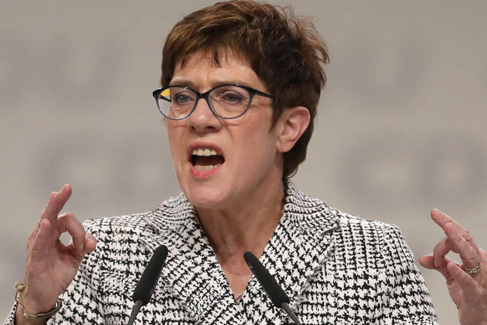 Annegret Kramp-Karrenbauer (56) hielt eine angriffslustige Rede auf dem CDU-Parteitag.