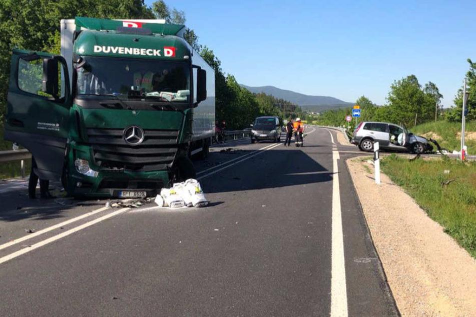 Der Fahrer des Lastwagens konnte den Crash nicht mehr verhindern.