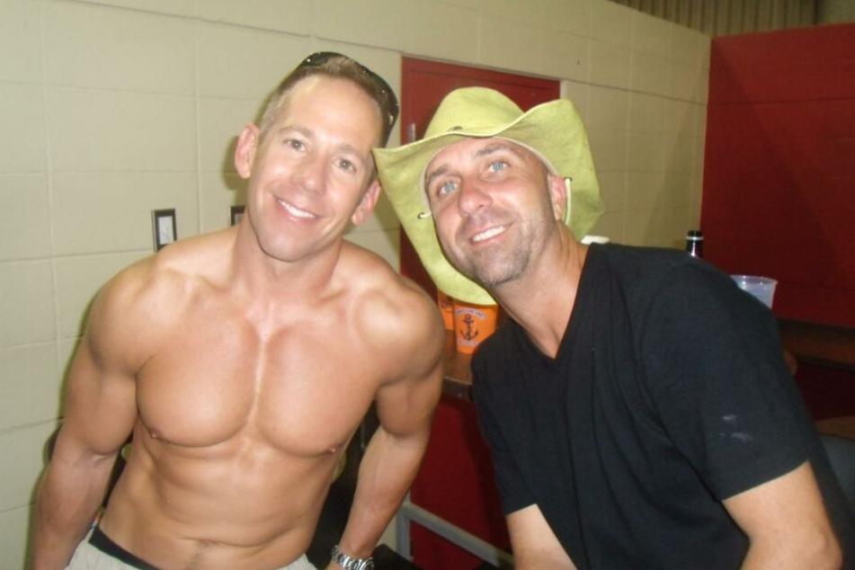 Jeff Gebhart (47,l.) mit einem Freund.