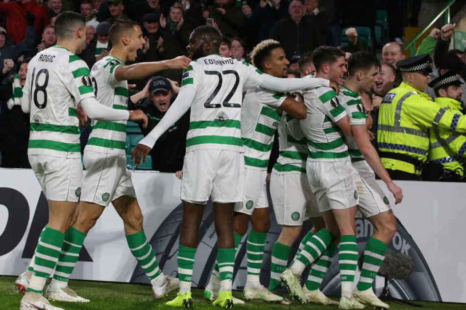 Waren am Donnerstag ein Tor besser: Die Jungs vom schottischen Serienmeister Celtic Glasgow, die durch den Sieg das vorzeitige Aus abwenden konnten.