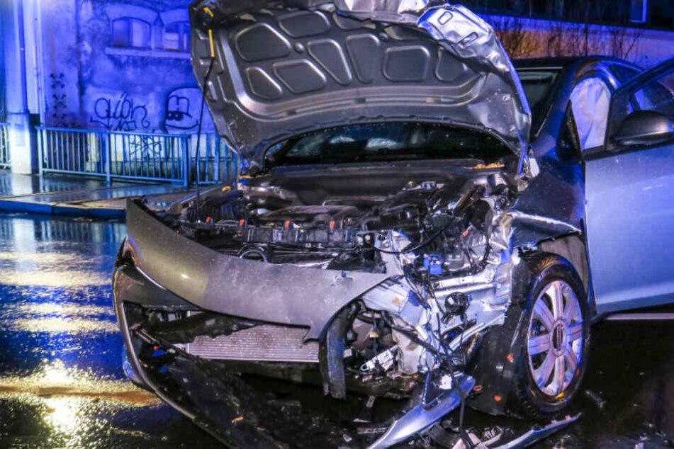 Schwerer Crash auf Bundesstraße: Mehrere Verletzte bei Unfall in Aue