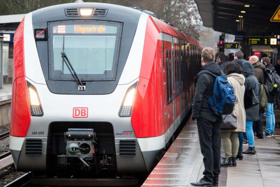 Eine neue S-Bahnlinie soll den Hamburger Westen erschließen. (Symbolbild)