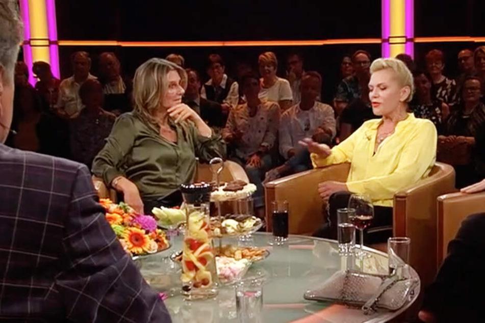 """""""Du bist meine Heldin"""", gestand Moderatorin Kim Fisher (50) der Sängerin."""