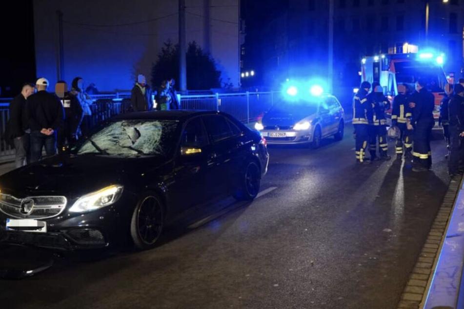 Der Mercedes-Fahrer (30) war mit erhöhter Geschwindigkeit unterwegs.