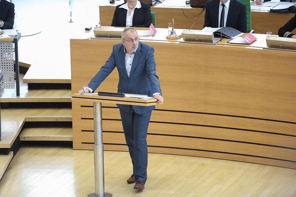 Linke-Fraktions-Chef Rico Gebhardt (54) ging MP Kretschmer hart an.