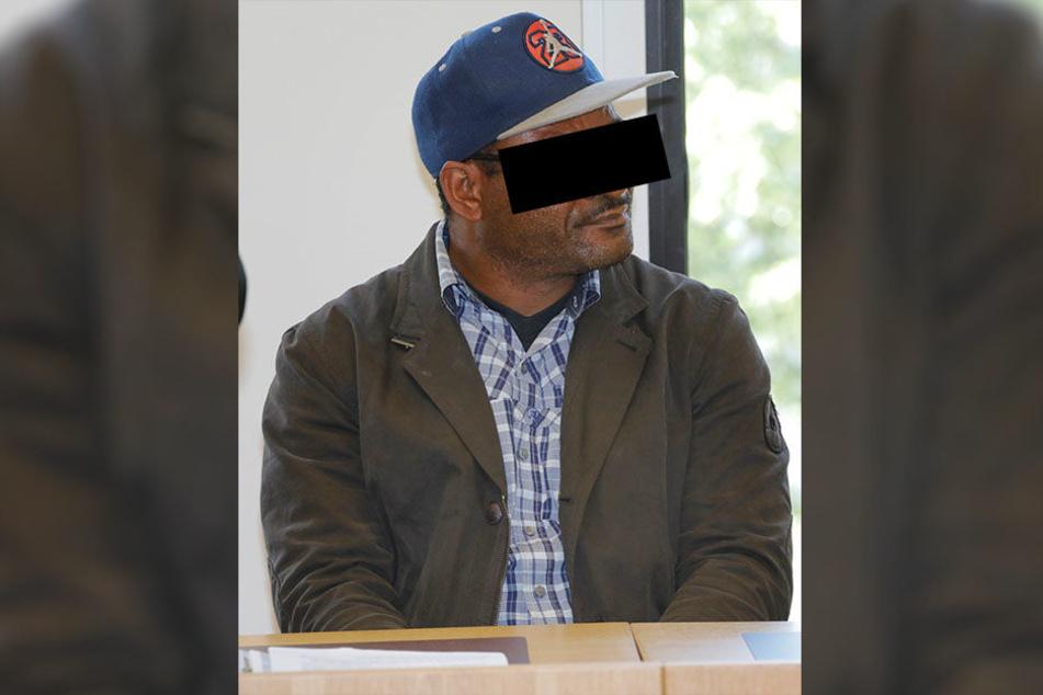 Jeremiah O. (47) muss noch zittern - bis die Staatsanwaltschaft den Unbekannten Christian N. in Nigeria findet.
