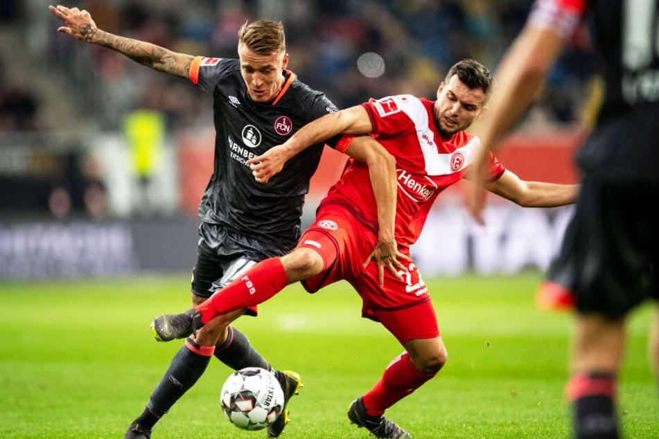 Ondrej Petrak (l.) kam 2018/19 22 Mal für den 1. FC Nürnberg in der 1. Bundesliga zum Einsatz.