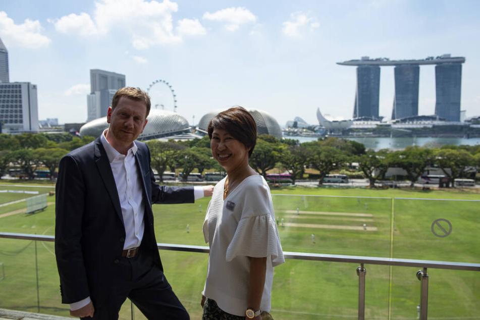 Kretschmer mit der Direktorin der National-Galerie Singapur, Chong Siak Ching.