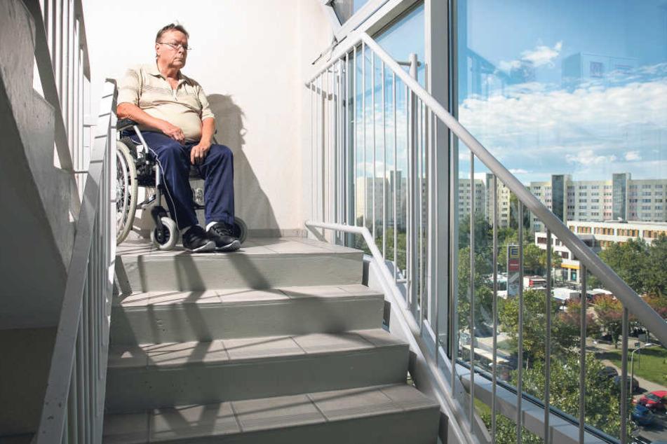 Für acht Tage gefangen im Hochhaus: Mieter und Rollstuhlfahrer Herbert  Liebscher (77).