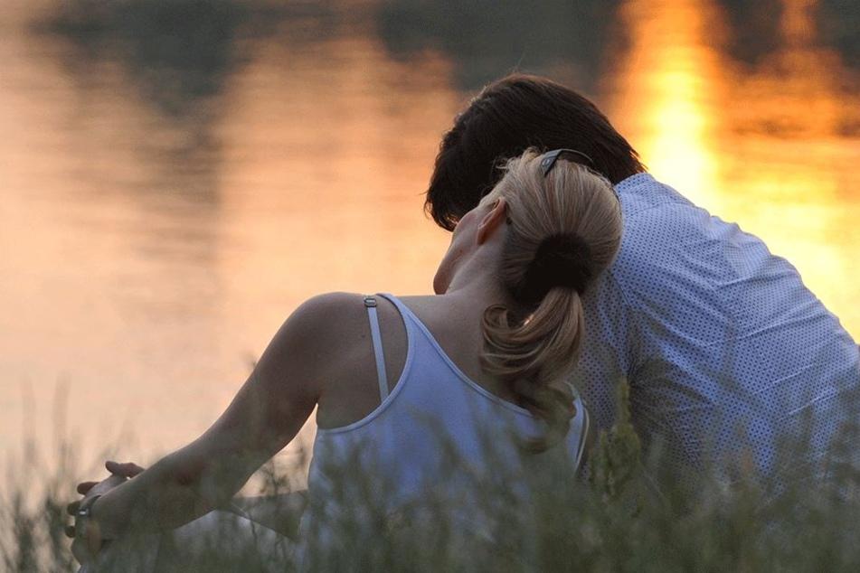 """Wer hätte das gedacht? Trotz aller Romantik bei den Frauen kommt """"Ich liebe Dich"""" viel schneller den Männern von den Lippen!"""